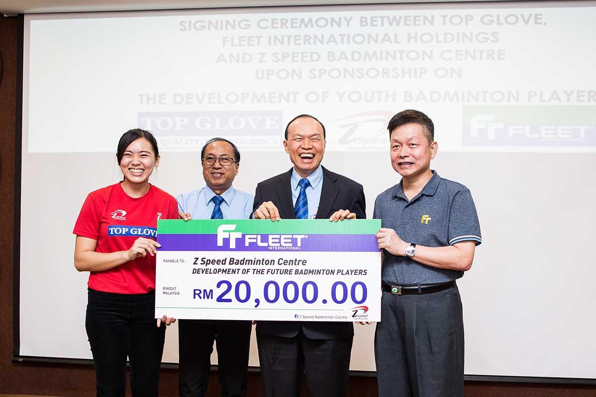 z-speed-badminton-top-glove-fleet-2018